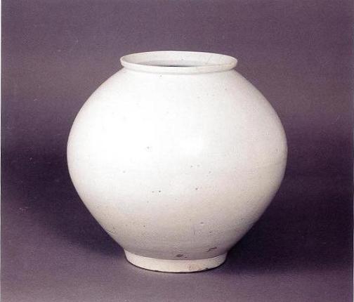 白磁壺 (はくじこ) 朝鮮時代17世紀後半